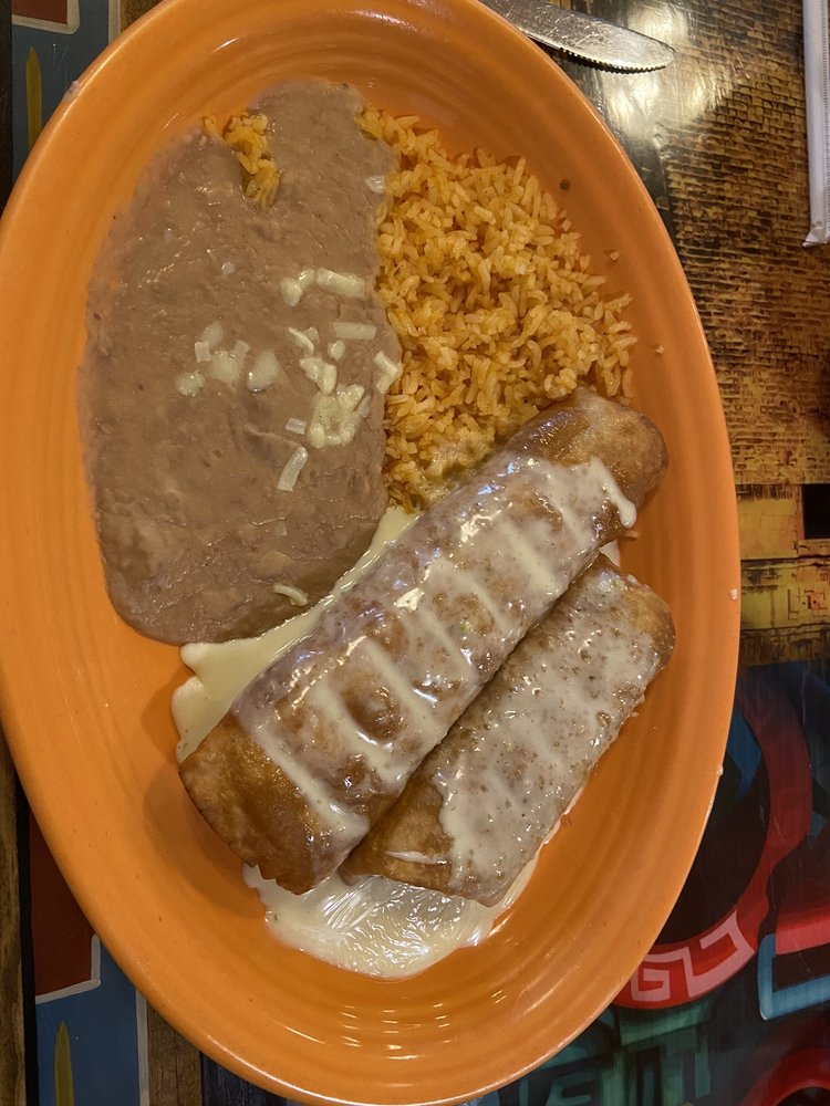 Tulum Mexican Restaurant and Grill: 3066 Village Park Dr, Plover, WI