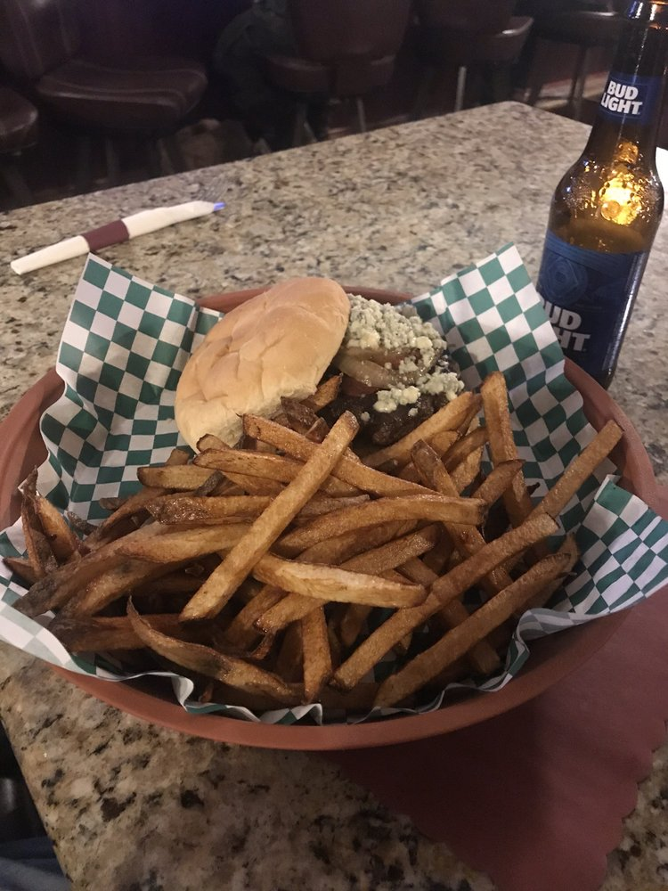 Shelly's Uptown Grill: 68 N Portage St, Doylestown, OH