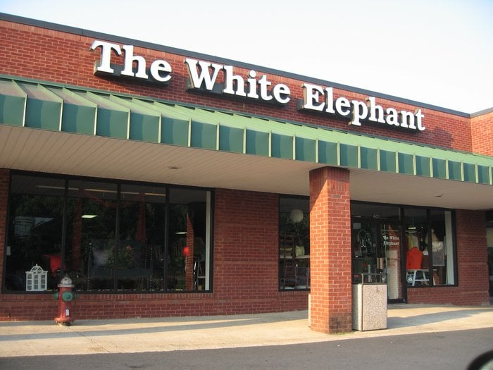 The White Elephant: 484 Blackwell Rd, Warrenton, VA