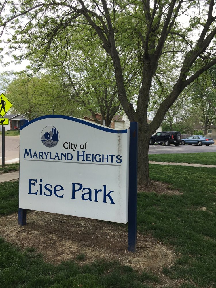 Eise Park: 12101 Glenview Dr, Maryland Heights, MO
