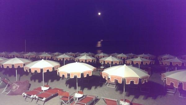 Bagni Pescetto : Centro balneare santantonio beaches via nizza 3b savona italy