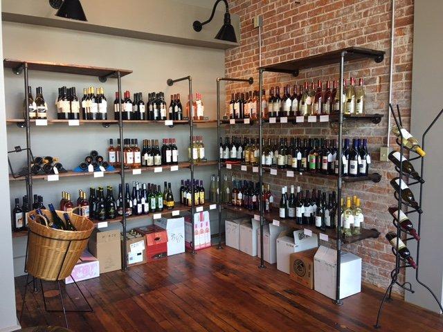 Hull's Trace Wine Cellar: 105 E Liberty St, Arlington, OH