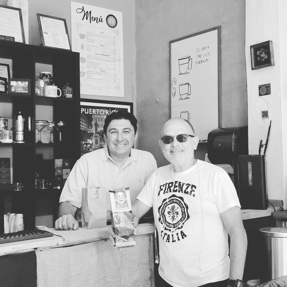 Sol Luna Cafe Galeria: Calle Sanchez Lopez  53, San Lorenzo, PR