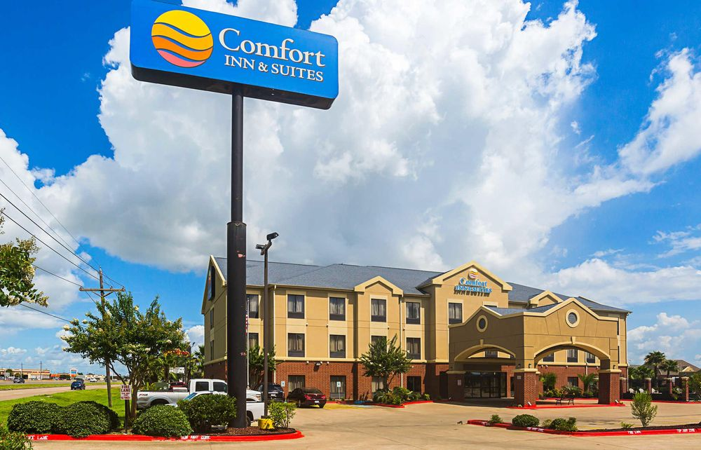 Comfort Inn & Suites: 7800 Memorial Blvd, Port Arthur, TX