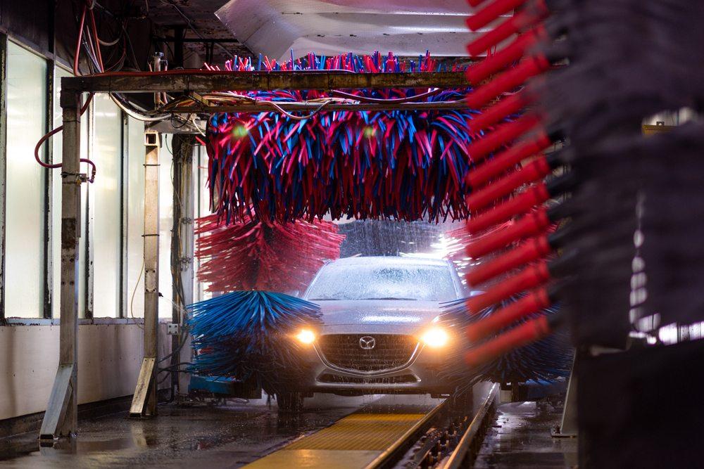 Globe Car Wash: 8650 University Blvd, Coraopolis, PA