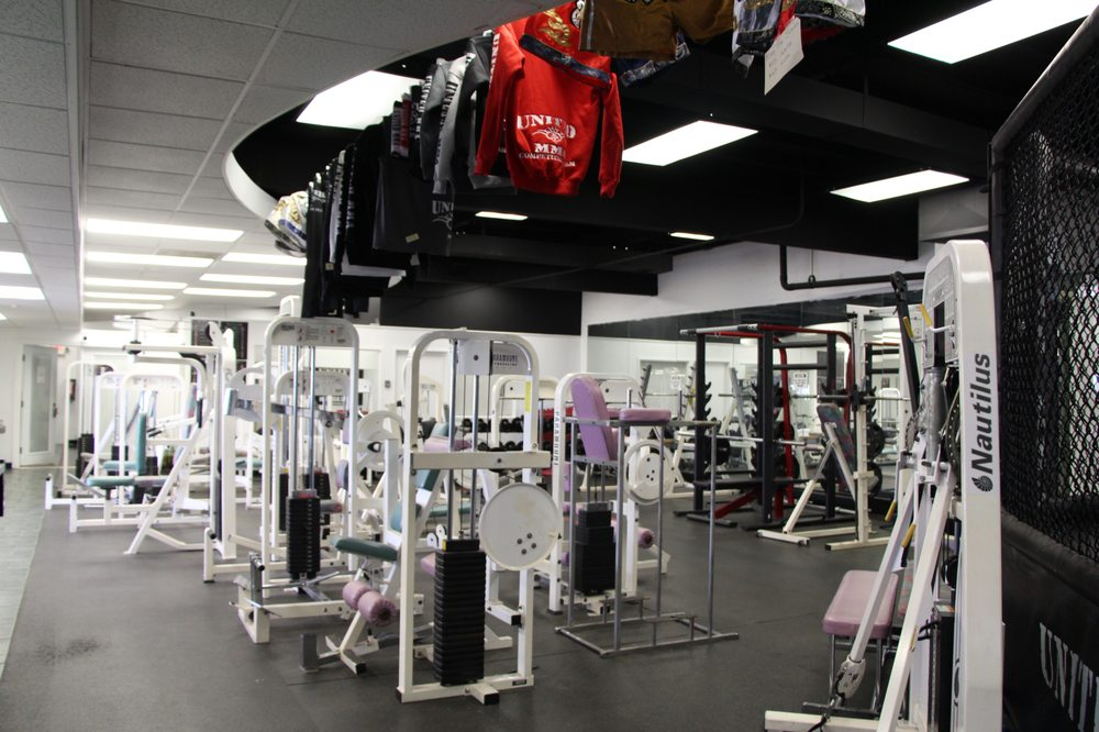 Free weights and weight machines for strength and fitness