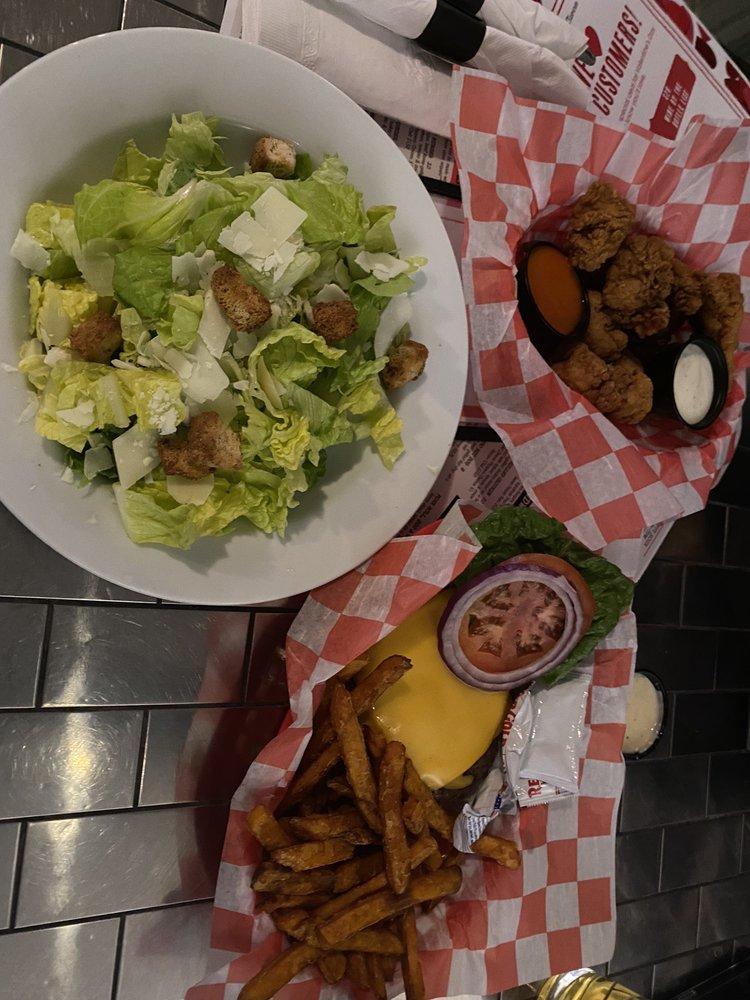 Mainbrook Tavern Patio Bar: 90 Wilson Ave, Englishtown, NJ