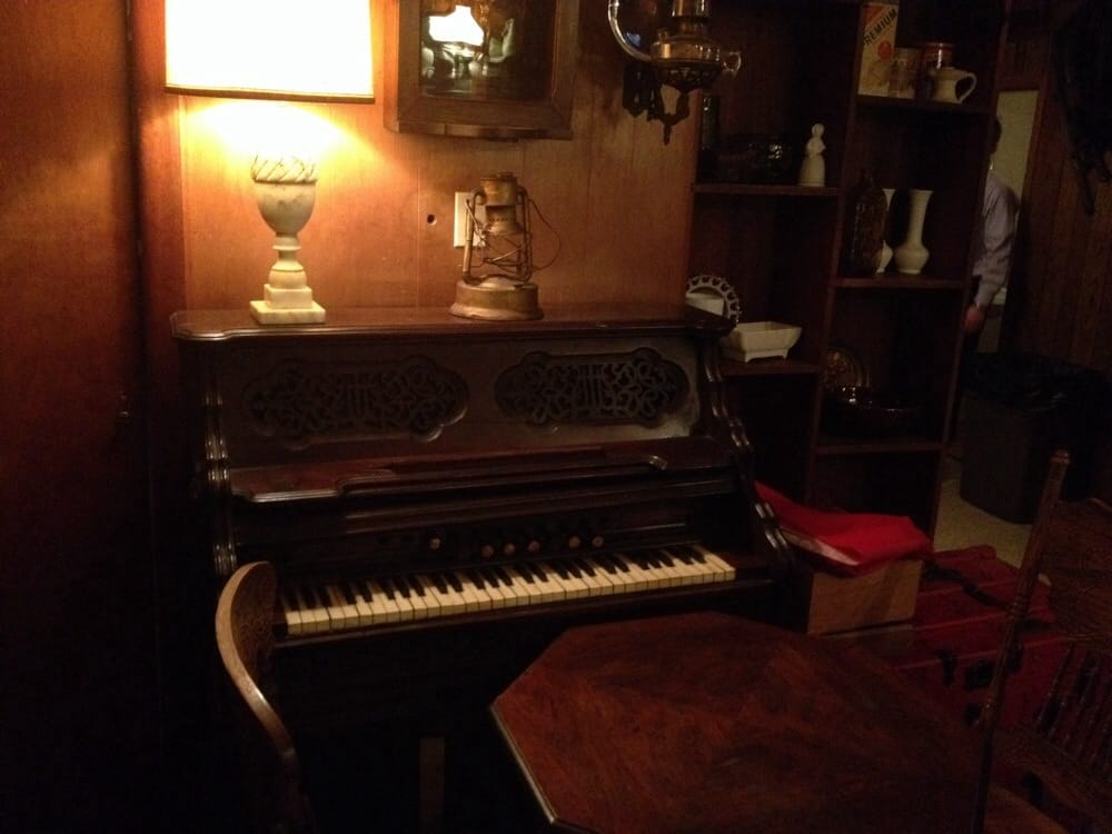 Old Plank Trail Tavern: 113 Kansas St, Frankfort, IL