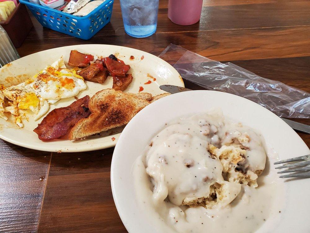 Cherokee Pass Restaurant 2: 6751 Business Hwy 67, Fredericktown, MO