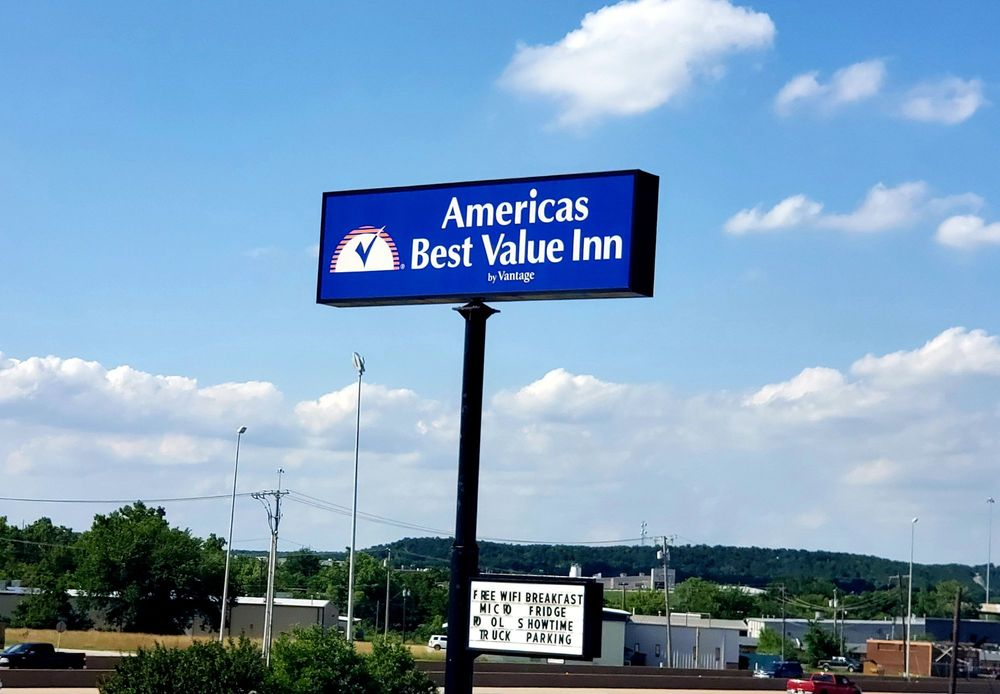 Americas Best Value Inn Tulsa West at I-44: 5525 West Skelly Drive, Tulsa, OK