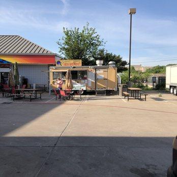 Yucatan Tacos 17 Photos 22 Reviews Food Trucks 2601 W Braker