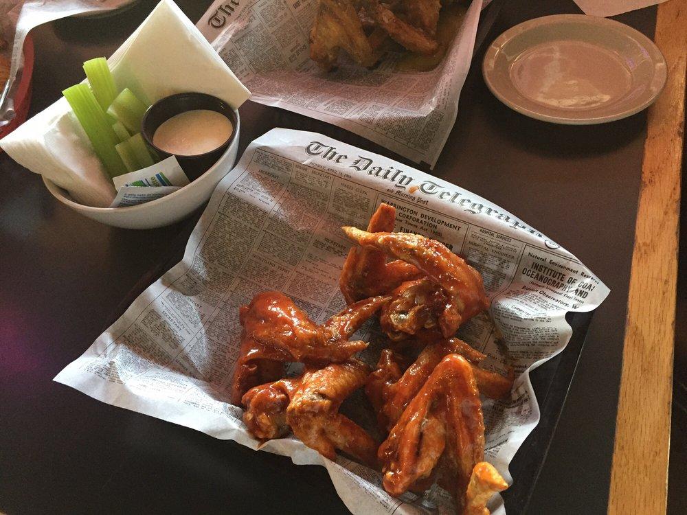 Woody's Bar & Grill: 109 3rd St N, Bayport, MN
