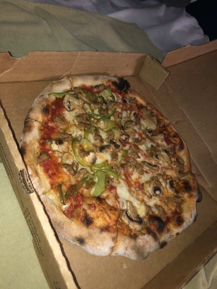 Red Oven Wood Fired Pizzas: 315 Rue St Francois St, Florissant, MO