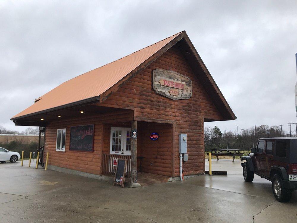 Tastebuds: 583 E Central Ave, Jamestown, TN