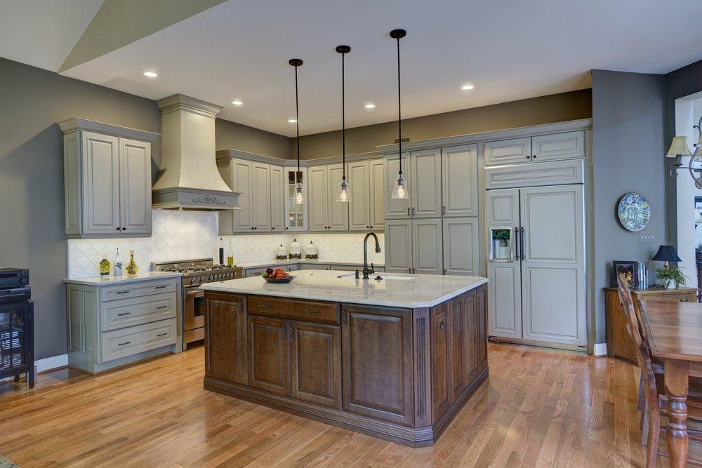 Rendon Remodeling & Design: 43760 Trade Center Pl, Sterling, VA