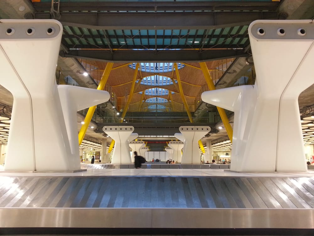 Iberia puente aereo oficinas de tr fico y transporte for Oficinas ups madrid