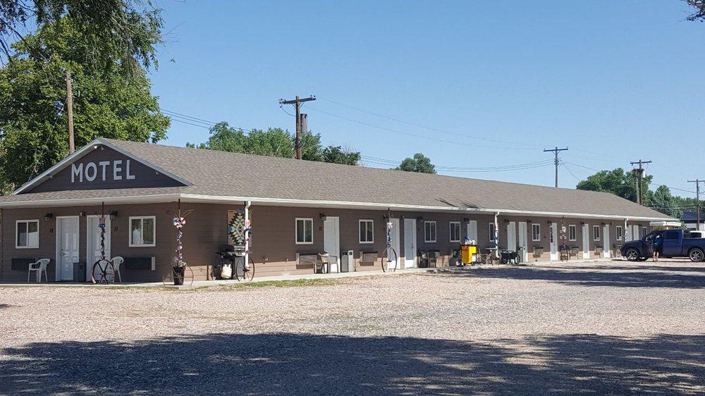 Shady Rest Motel: 102 Main St, Oshkosh, NE