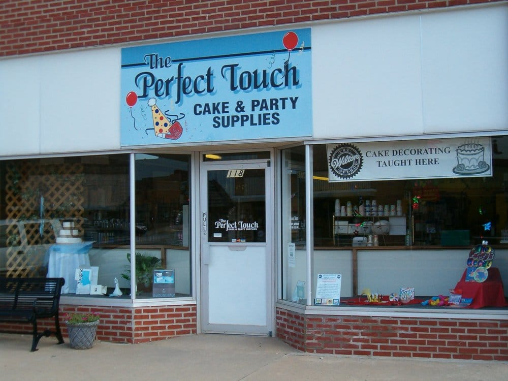 Perfect Touch: 118 E Main St, Anthony, KS
