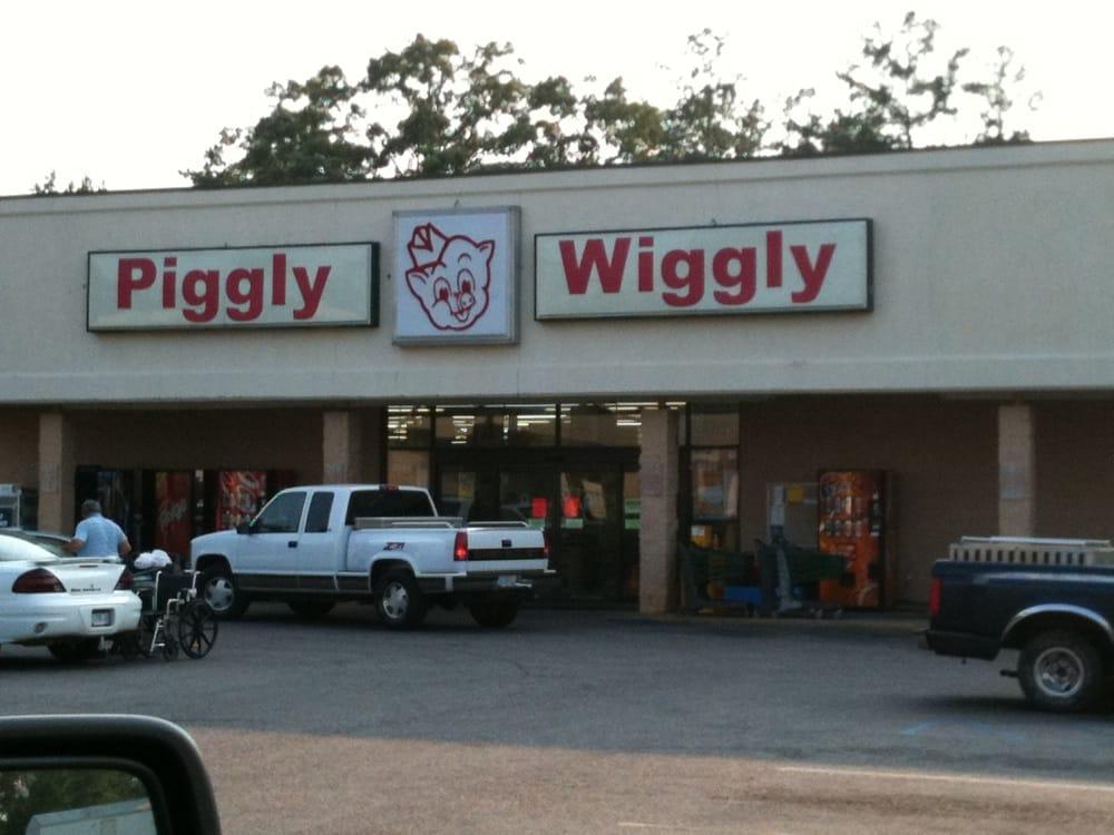 Piggly Wiggly: 1028 S Alabama Ave, Monroeville, AL
