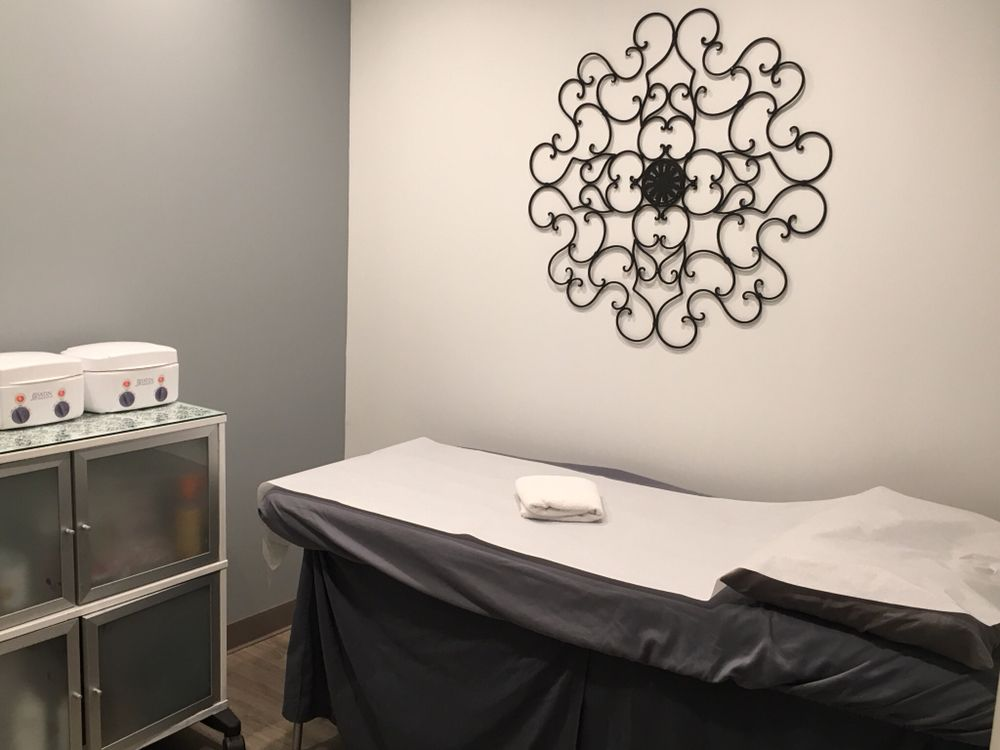 Pinetree Wellness Center And Spa: 2000 Corporate Dr, Wexford, PA