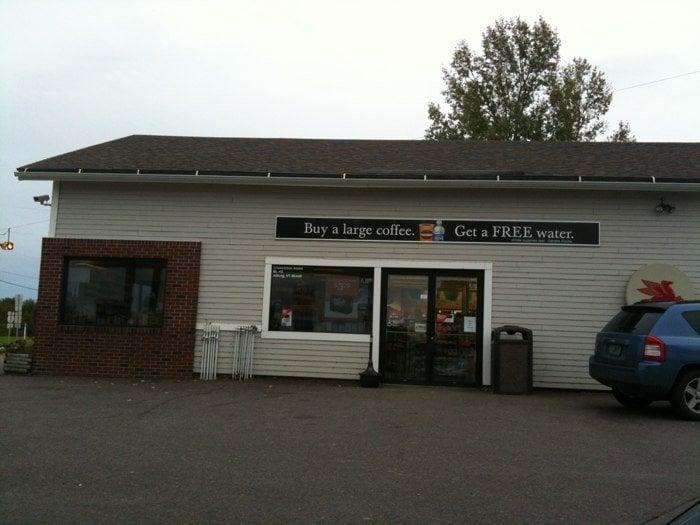 Crossroads Travel Center: 232 US Rt 2 S, Alburg, VT