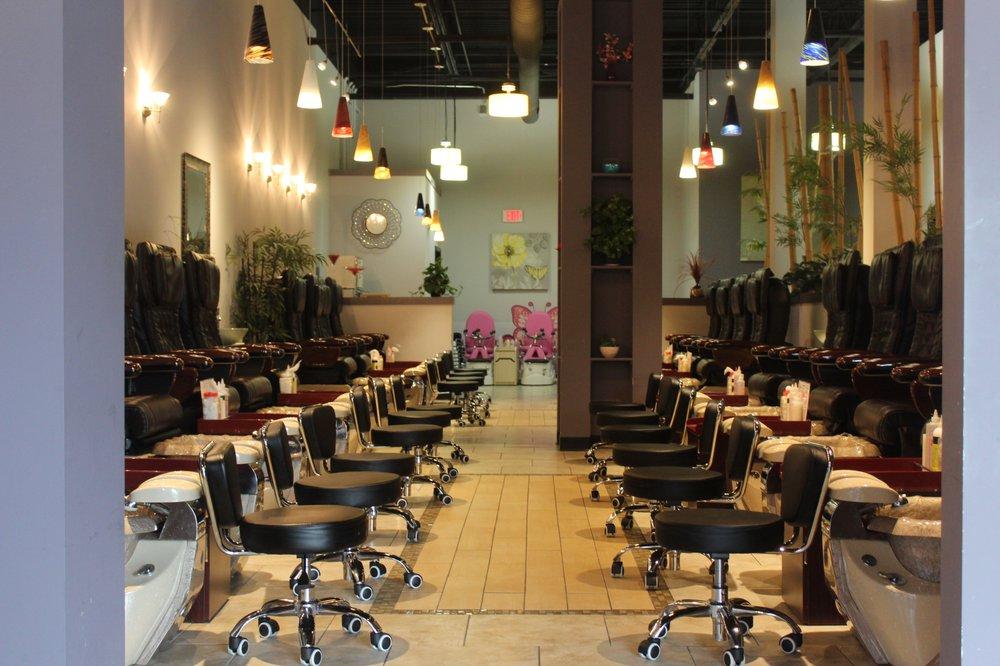 Casa Blanca Nail Bar: 234 Brookview Ctr Way, Knoxville, TN