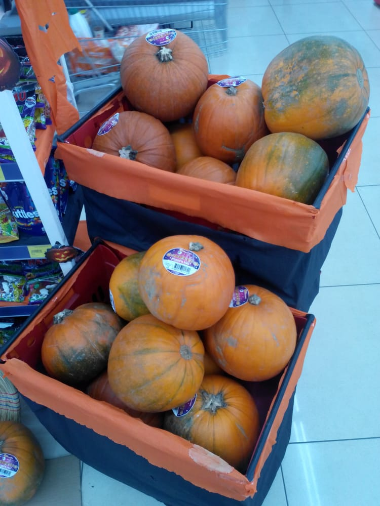 Pumpkins yelp for Iceland torrevieja