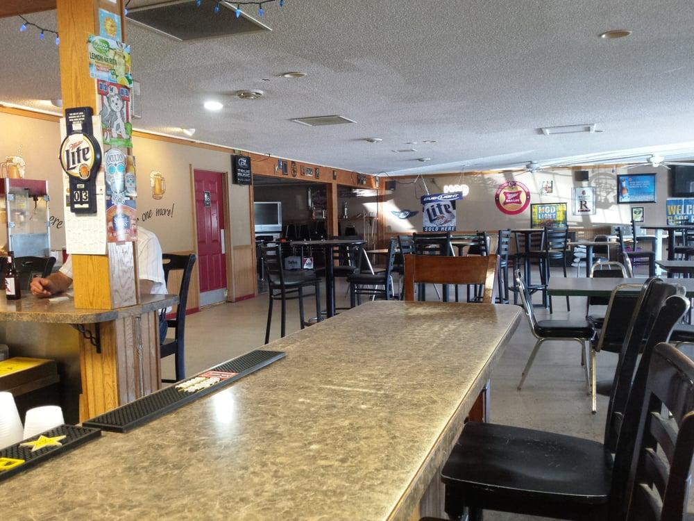 Brewzers: 465 Main Ave, Walcott, ND