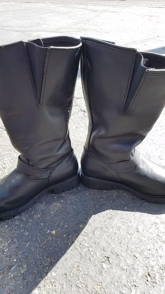 Cascade Shoe Repair: 8200 E Mill Plain Blvd, Vancouver, WA