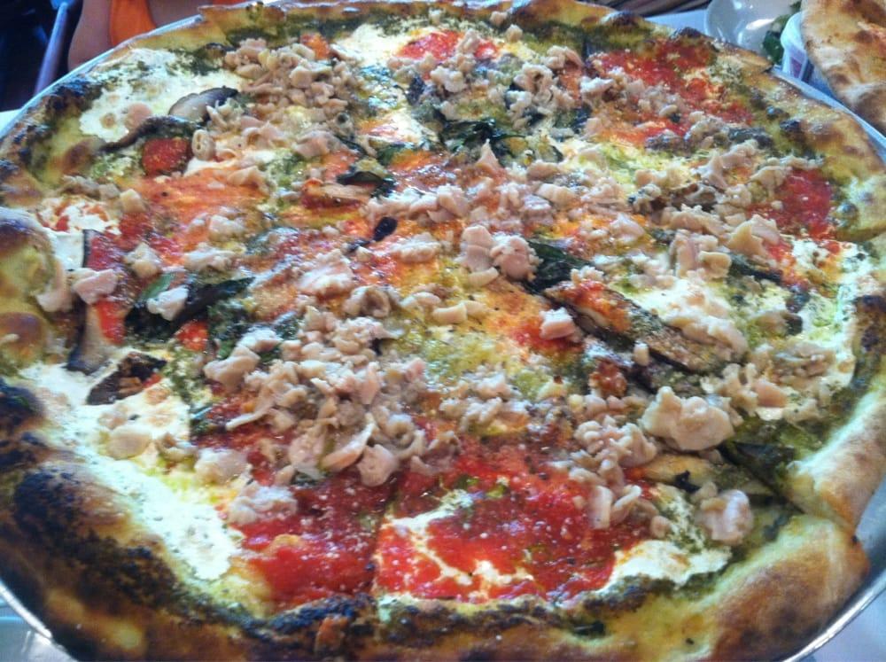 Lg 18 Pie W Portabella Anchovies Fresh Garlic Chopped Clams Shaved Parmesan Yum Yelp