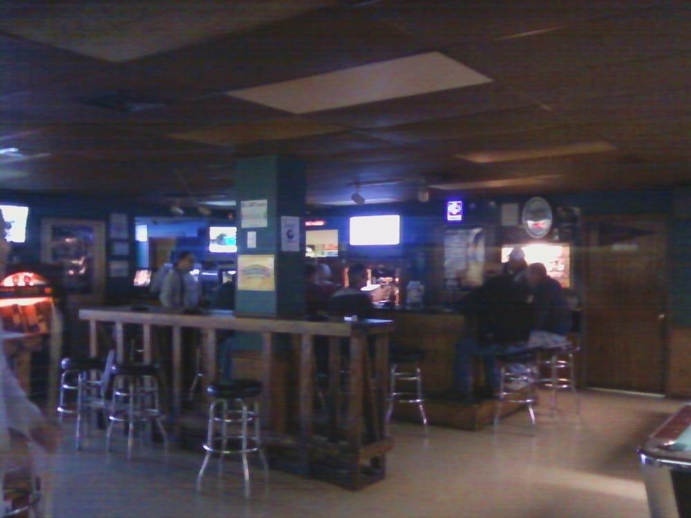 Bullseye Sports Bar: 225 River Rock Blvd, Murfreesboro, TN