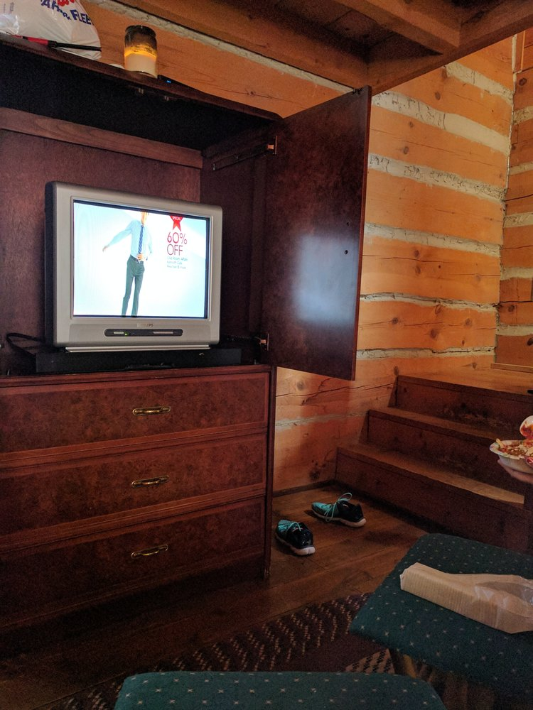 Delicieux Photo Of Galena Log Cabin Getaway   Galena, IL, United States. Old TV