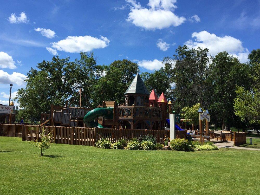 Crosby Memorial Park: 3RD St SW, Crosby, MN