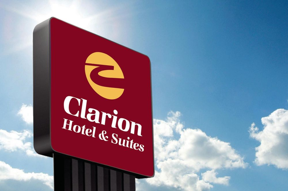 Clarion Hotel & Suites: 5500 West Kellogg Drive, Wichita, KS