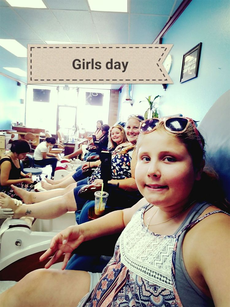 Christy Nails: 1621 NE Hwy 99 W, McMinnville, OR