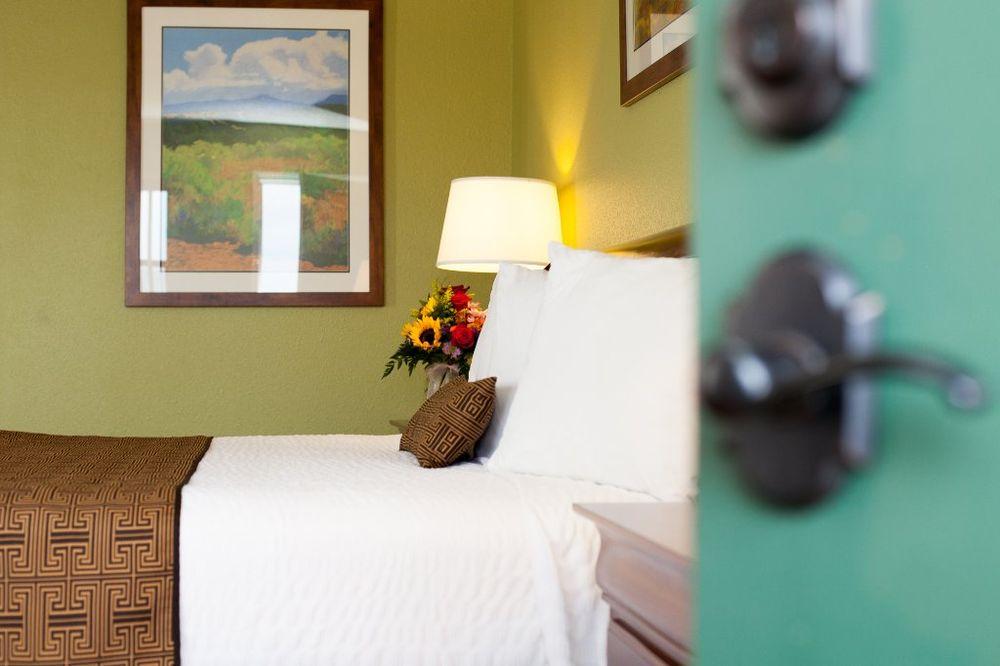 Grand Lake Casino Lodge: 26301 S 655th Rd, Grove, OK