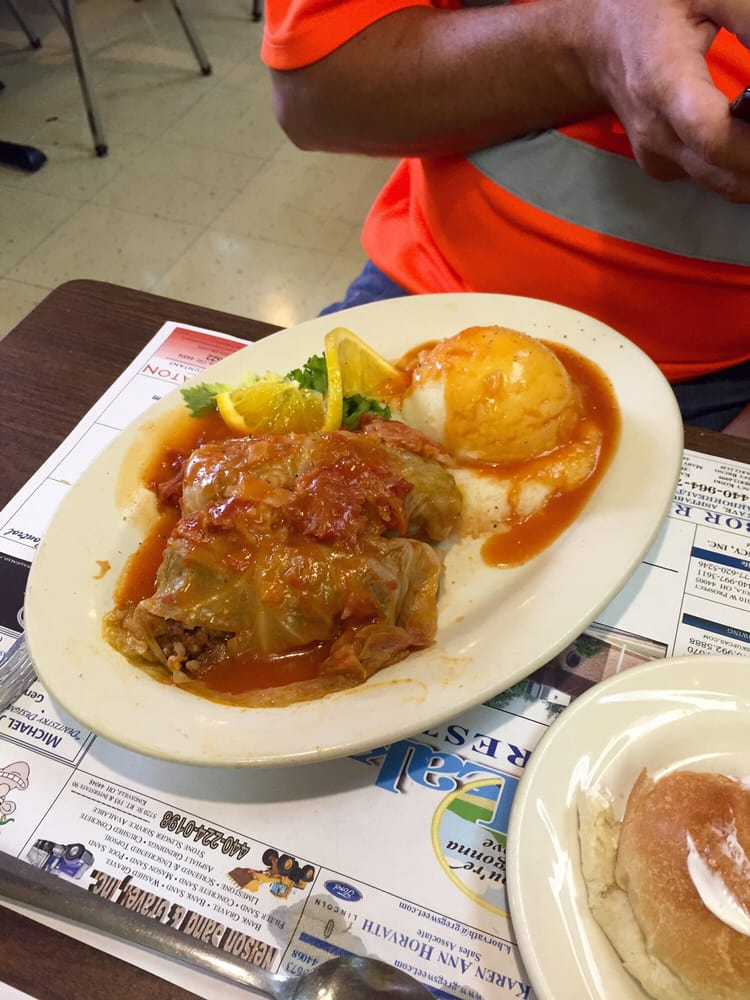 Lakeway Restaurant: 729 Lake Ave, Ashtabula, OH