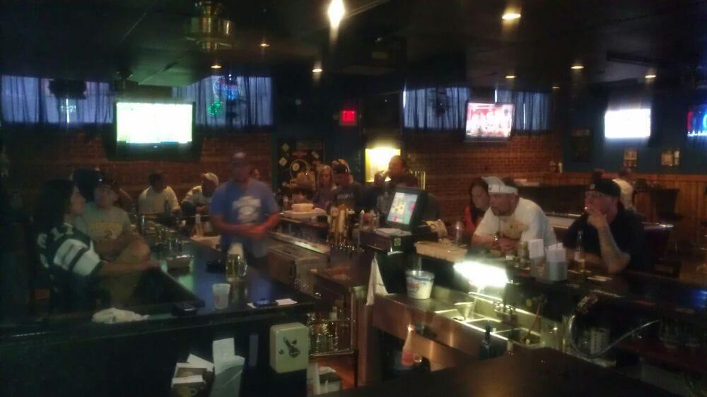 Rob's Pub & Grub: 234 Nesbitt St, Larksville, PA