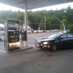 D W Auto Center Gas Stations 449 459 Daniel Webster Hwy