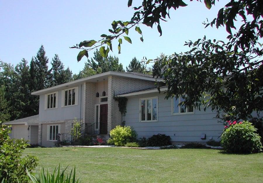 Garden House Bed & Breakfast: 9255 Sunnyside Ln, Port Wing, WI