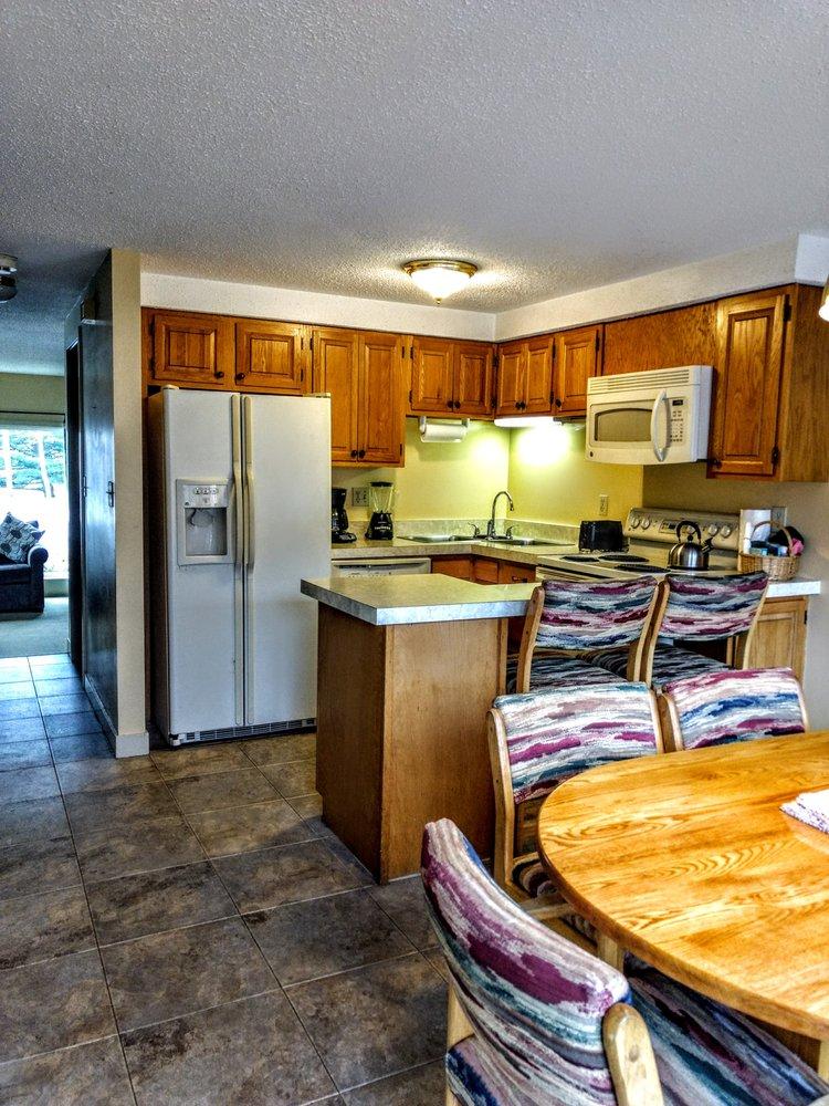 Cathedral Ledge Condominium Resort: 17 Carroll Ln, Intervale, NH