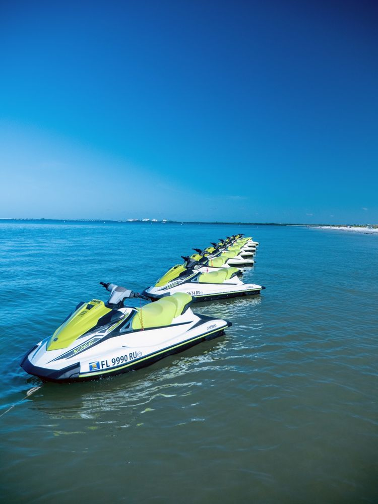 Holiday Water Sports-Fort Myers Beach: 684 Estero Blvd, Fort Myers Beach, FL