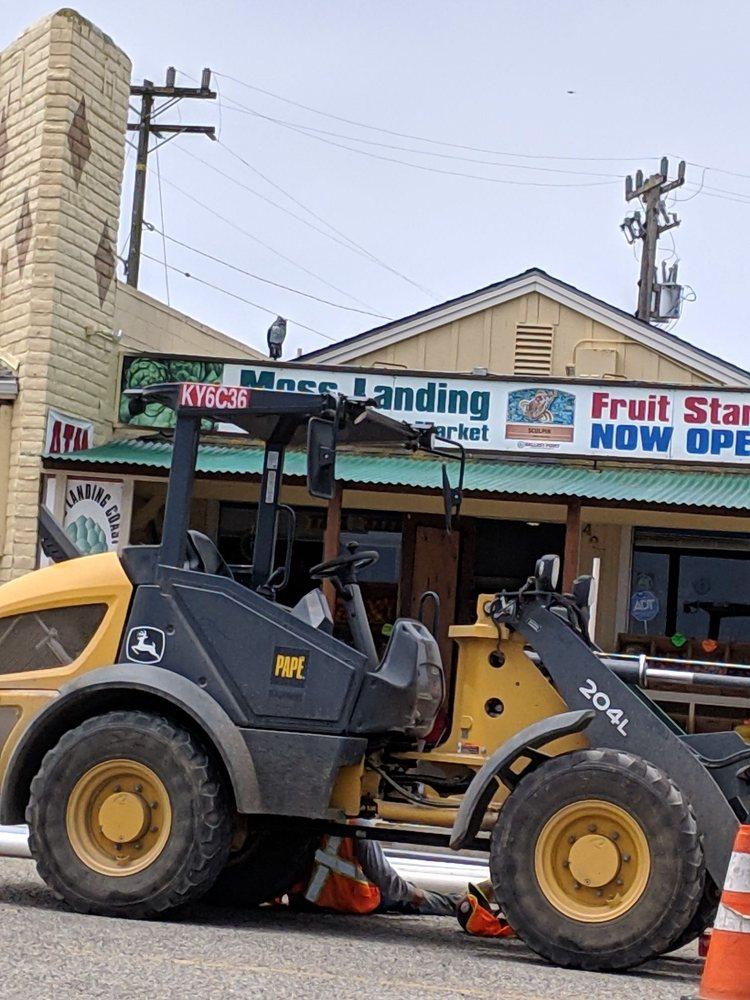 Mosslanding Organic Market: 407 Mosslanding Rd, Moss Landing, CA