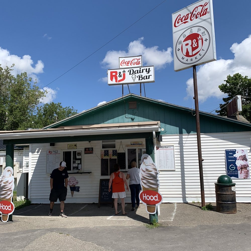 R & J Market: 26 Presque Isle St, Fort Fairfield, ME