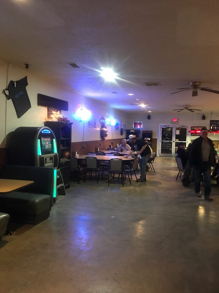 Rockville Bar and Grill: 303 Bates Ave, Rockville, MO