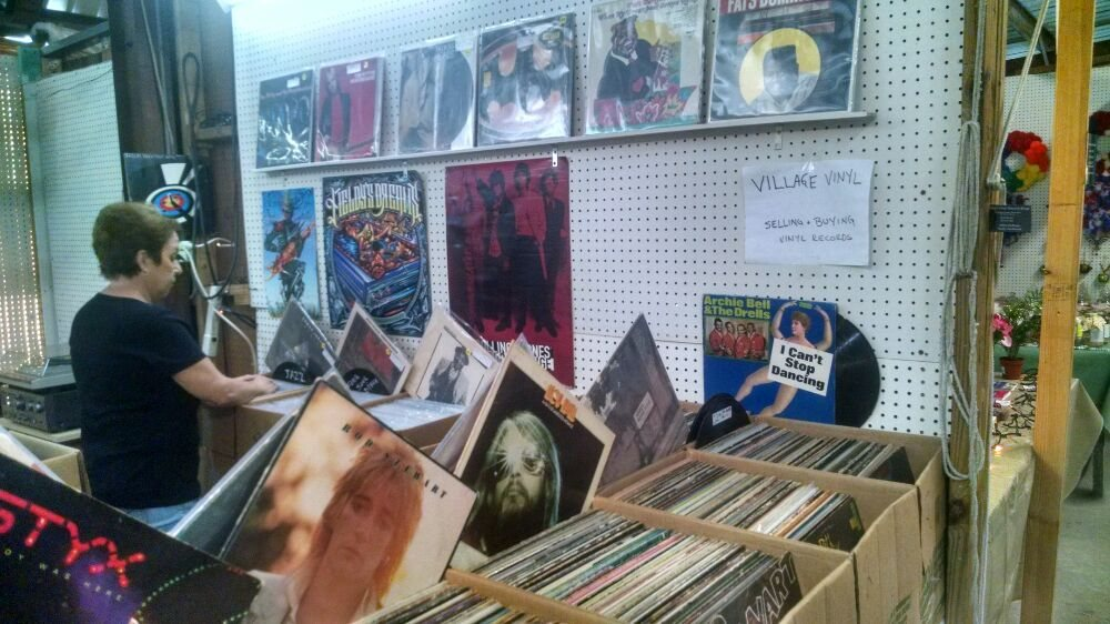 Village Vinyl Record Shop: 20651 US Hwy 441, Mount Dora, FL