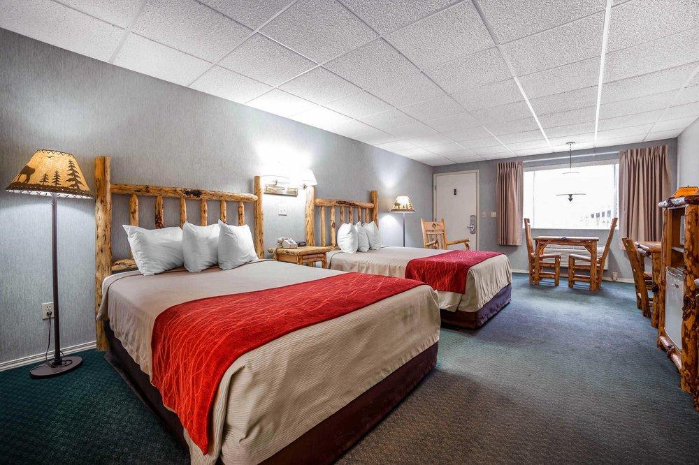 Rodeway Inn Pronghorn Lodge: 150 East Main St, Lander, WY