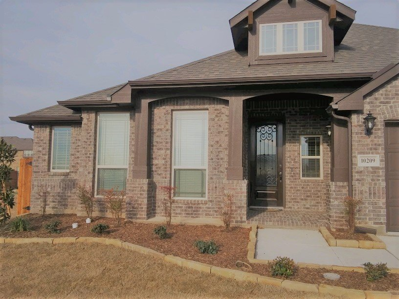 Frank Phillips Seamless Gutters: 6508 Westrock Dr, Fort Worth, TX