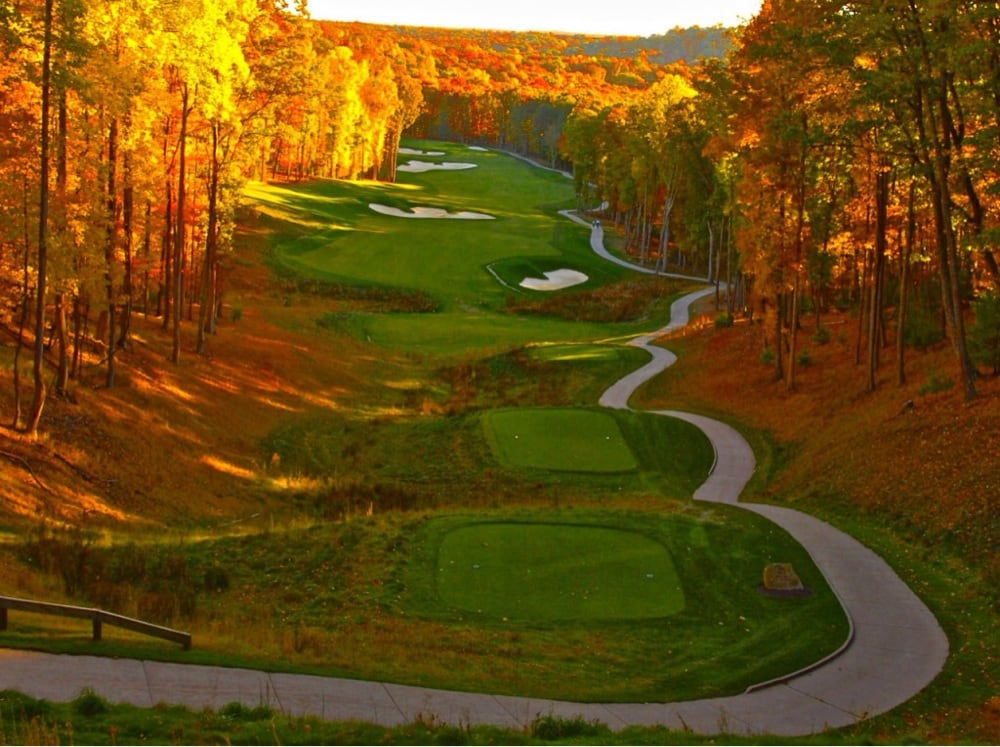 Woodhave Golf Course: 643 Forest Haven Dr, Shady Spring, WV