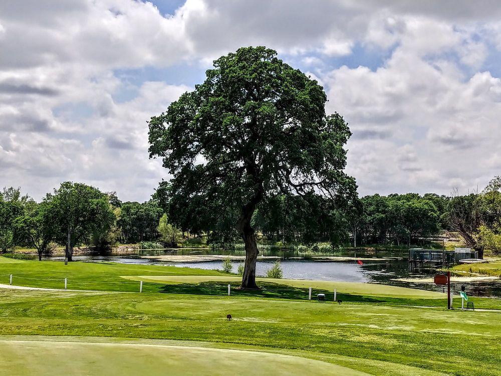 Wilcox Oaks Golf Club: 21010 Wilcox Rd, Red Bluff, CA